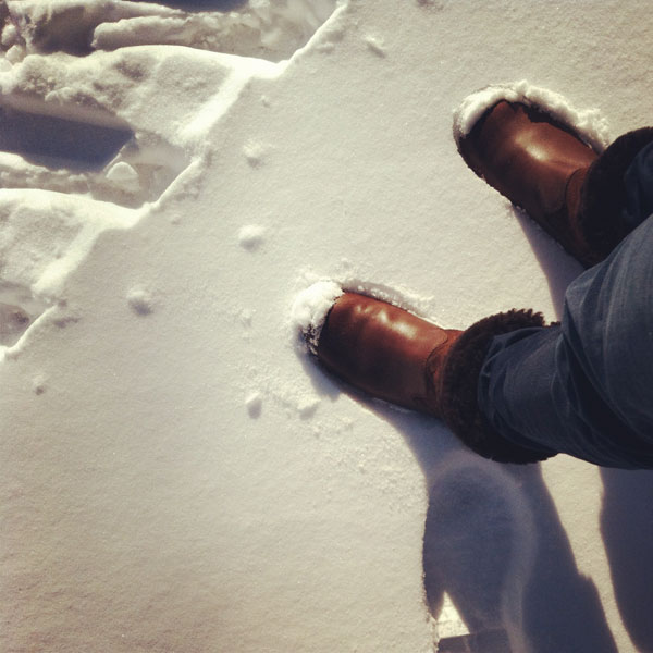 Feet-in-the-Snow