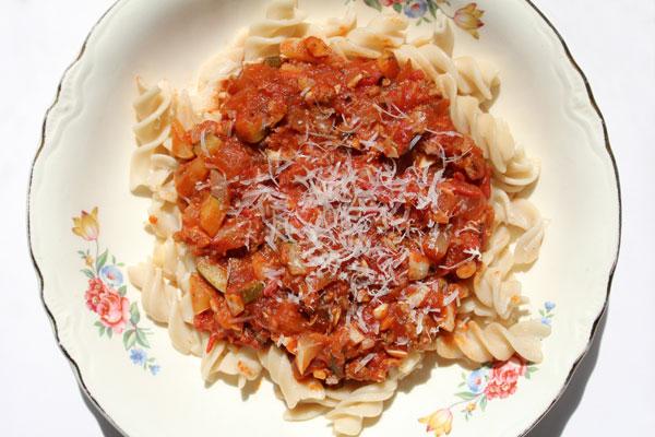 Rotini Pasta with Fresh Tomato Sauce